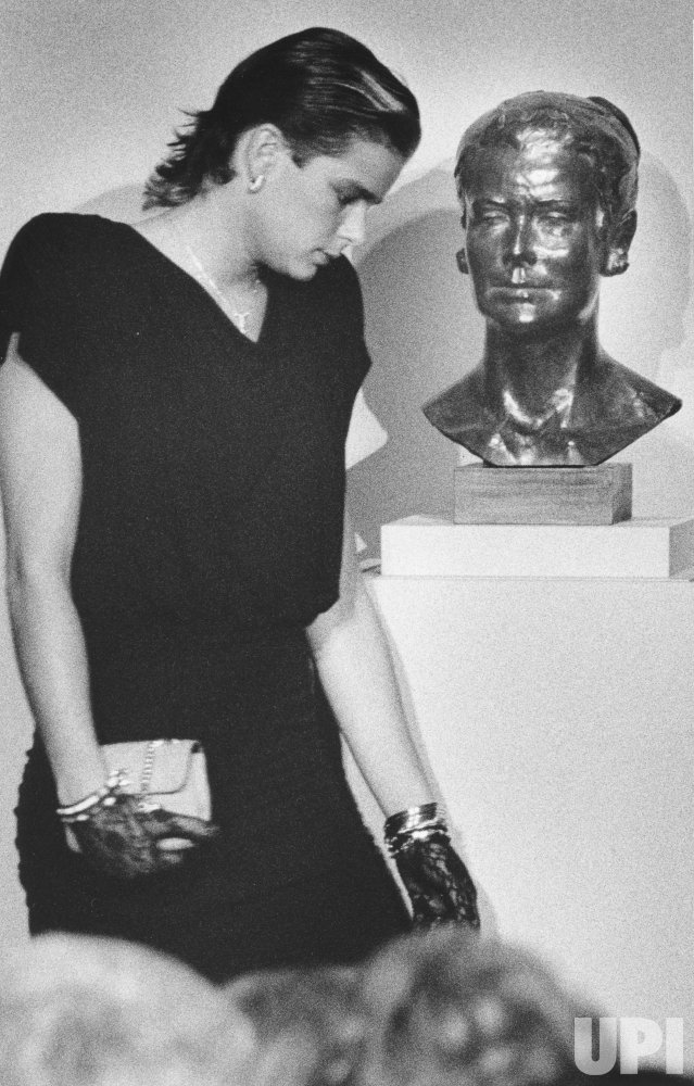 Princess Stephanie of Monaco unveils statue of her mother at Smithsonian