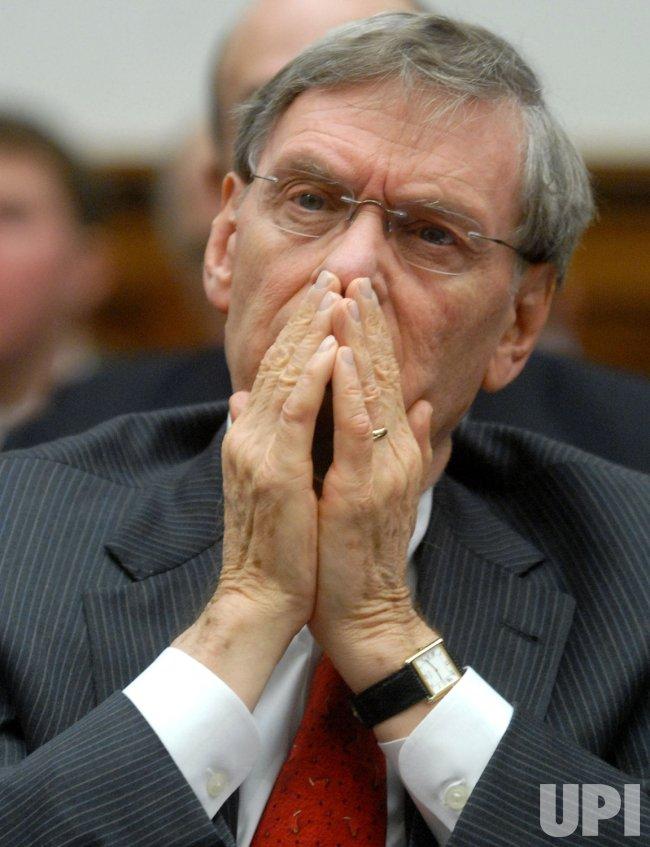 Former Sen. Mitchell testifies on steroids in MLB in Washington