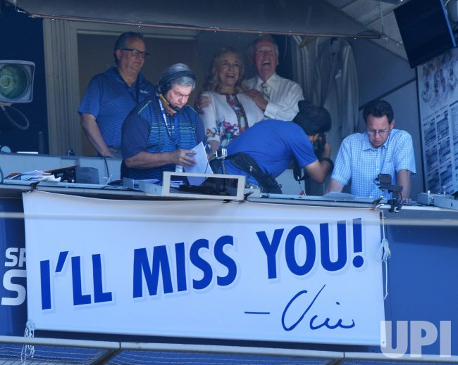 vin scully   time  dodger baseball   time  dodger stadium upicom