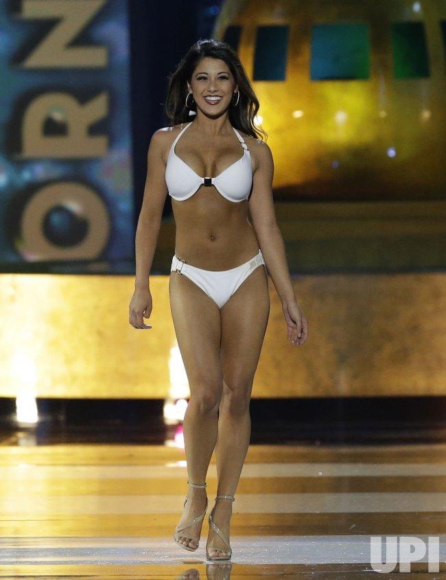 Miss california in a bikini — photo 4