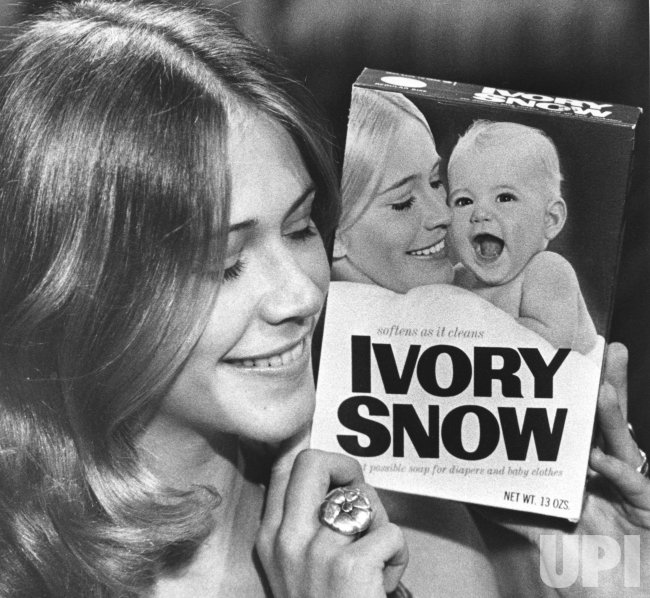 Pornographic film star Marilyn Chambers no longer to appear on Ivory Snow boxes