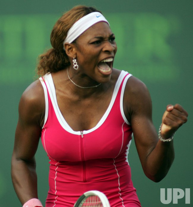 Serena Williams returns the ball against Shahar Peer, of Israel, at the Nasdaq 100 Open in Key Biscayne, Fla., Sunday, March 27, 2005. Williams won, 6-3, 6-3. .(UPI PHOTO/Susan Knowles