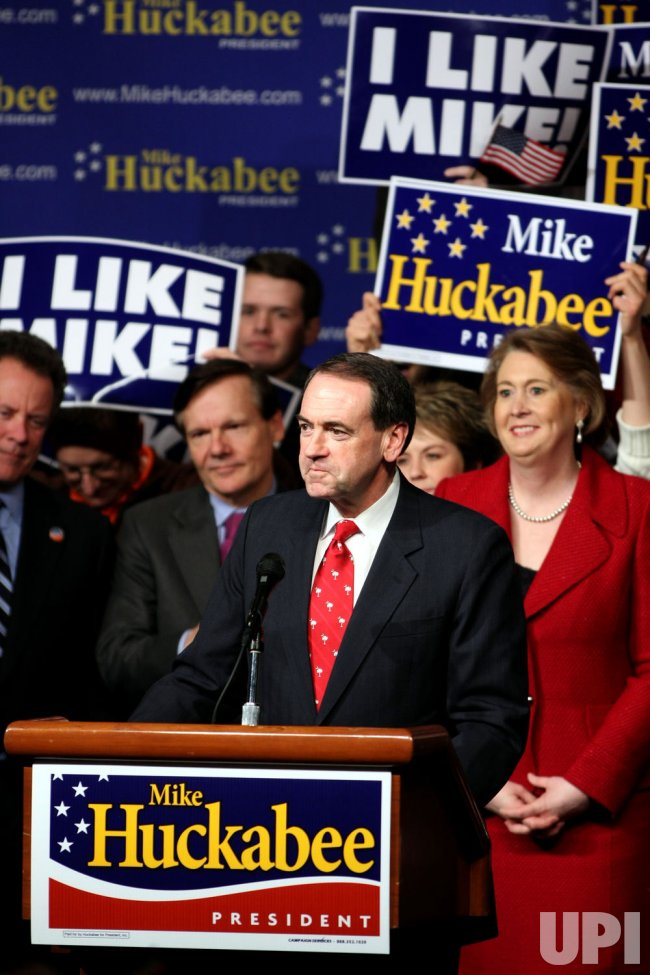 MIKE HUCKABEE AT REPUBLICAN PRIMARY IN SOUTH CAROLINA