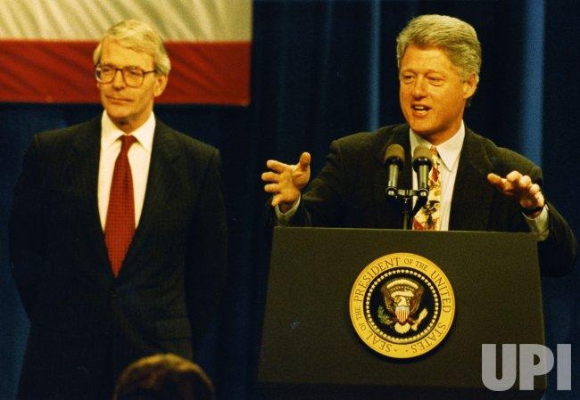 President Bill Clinton and British Prime Minister John Major visit Pittsburgh