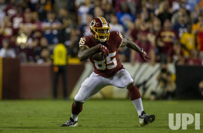 the best attitude 21ed0 6d464 Washington Redskins tight end Vernon Davis - UPI.com