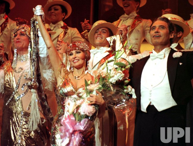 "raquel welch replaces julie andrews in ""Victor Victoria"" on broadway"