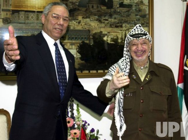 Colin Powell Meets With Yasser Arafat - UPI.com