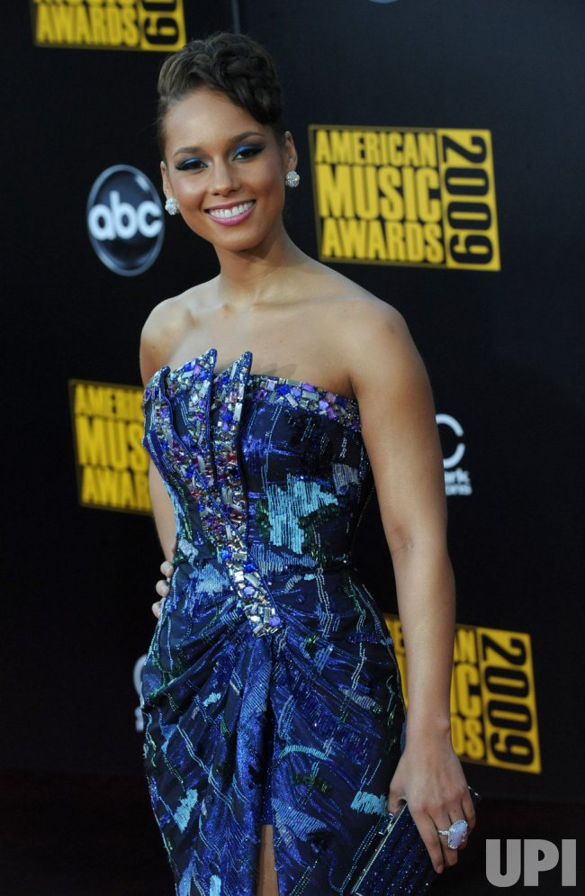 Alicia Keys arrives at the 37th American Music Awards in Los Angeles