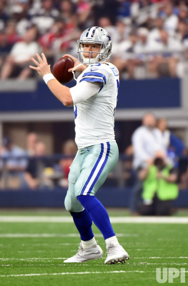 Cowboys Weeden starts for injured Romo