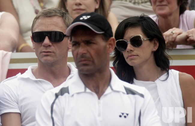 ACTOR DANIEL CRAIG WATCHES TENNIS FINAL