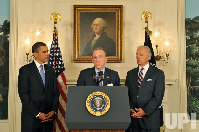 Senator Specter, President Obama and Vice President Biden speak on Spectors party change in Washington