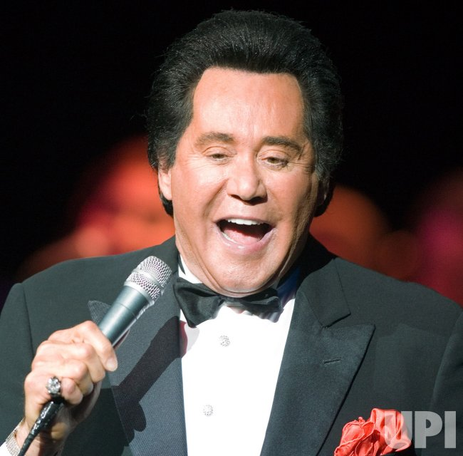 WAYNE NEWTON PERFORMS AT RIVER ROCK CASINO