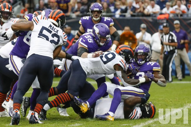 Bears Danny Trevathan tackles Vikings Dalvin Cook in Chicago