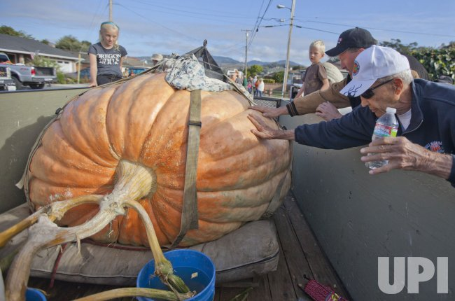 1775 pound pumpkin wins Half Moon Bay, California competition