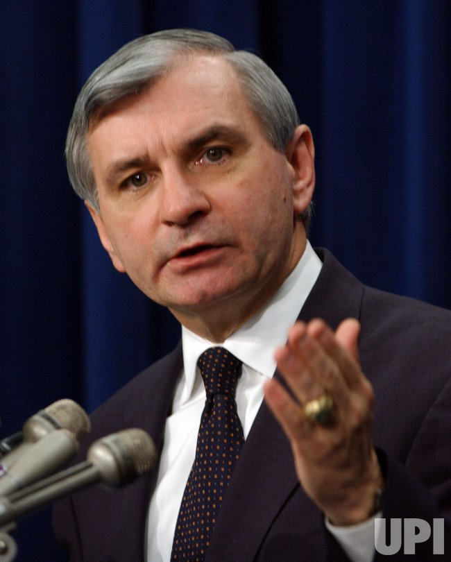 SEN. REED CHALLENGES BUSH'S VIEW OF IRAQ