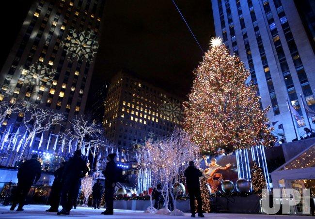 Lighting Of Rockefeller Christmas Tree.86th Annual Christmas Tree Lighting At Rockefeller Center