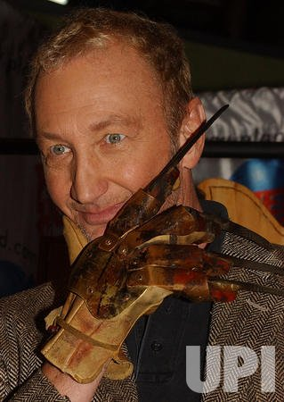 "Robert Englund promos new film ""Freddy vs Jason"""