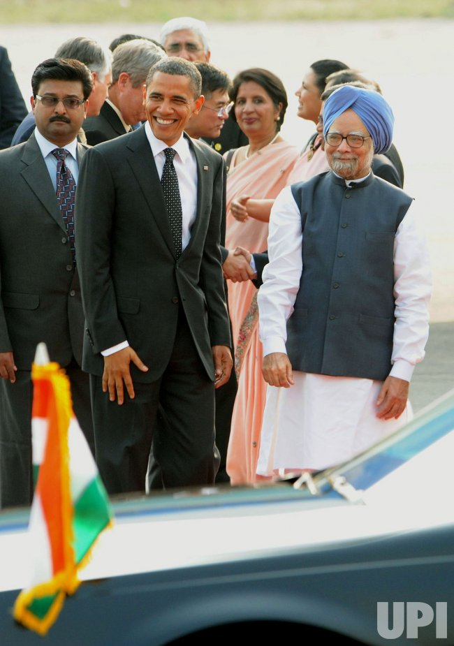 President Obama and the First lady arrive in India