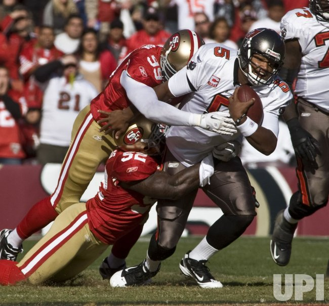 Buccaneers QB Josh Freeman tackled in shut out of 49ers in San Francisco