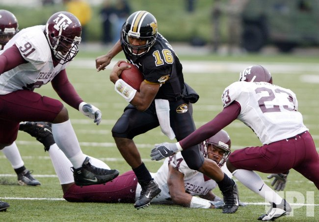 TEXAS A&M AGGIES VS MISSOURI TIGERS FOOTBALL
