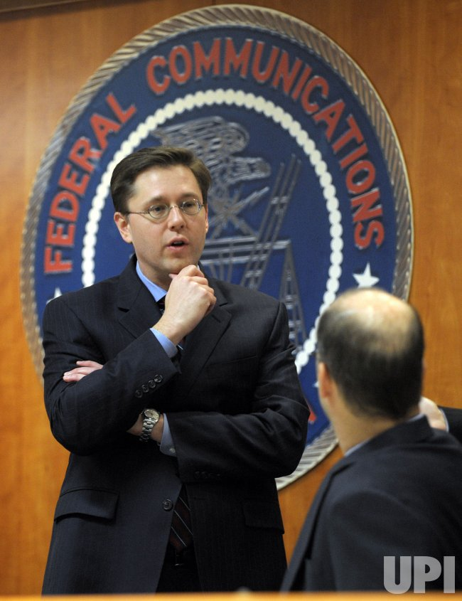 FCC votes to allow media consolidation in Washington