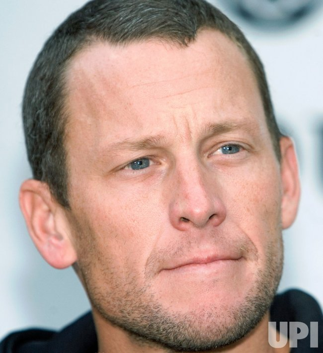 LANCE ARMSTRONG JOINS CANCER FUNDRAISER BIKE RIDE IN VANCOUVER