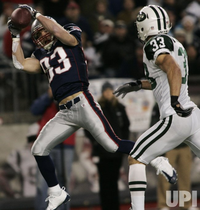 Patriots Wes Welker reception against Jets at Gillette Stadium in Foxboro, MA.