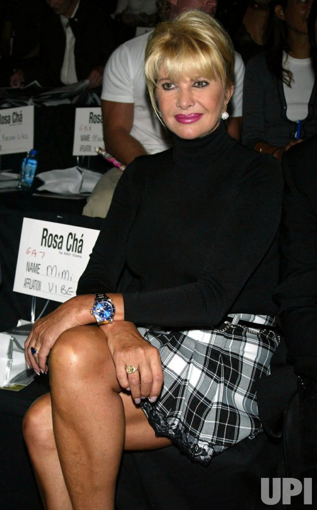 IVANA TRUMP ATTENDS ROSA CHA 2004 SPRING COLLECTION