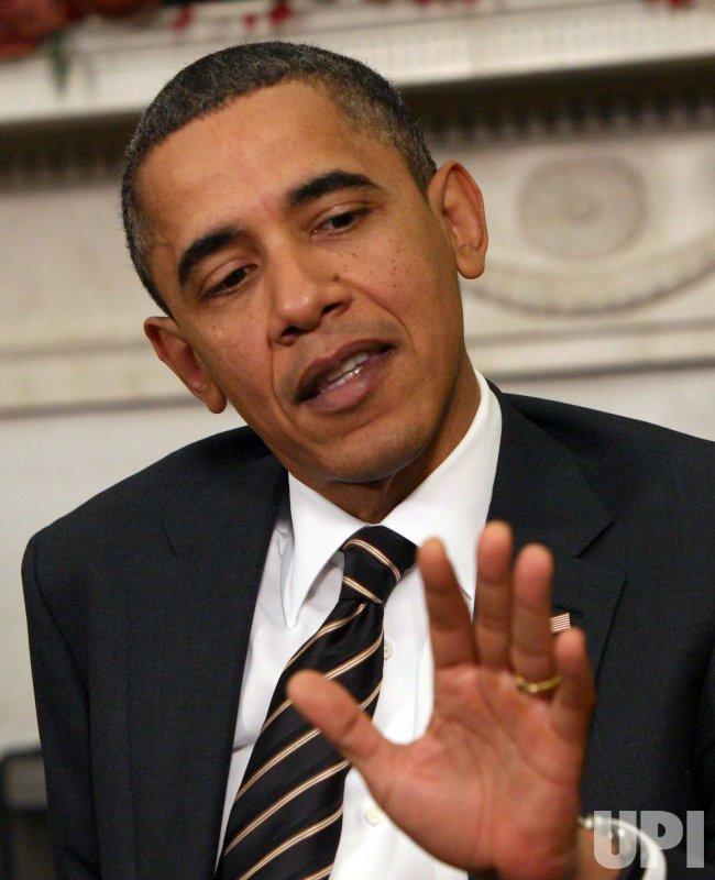 Obama meets with Polish President Komorowski at White House
