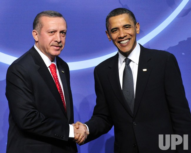 Obama Welcomes Recep Tayyip Erdogan to the Nuclear Security Summit