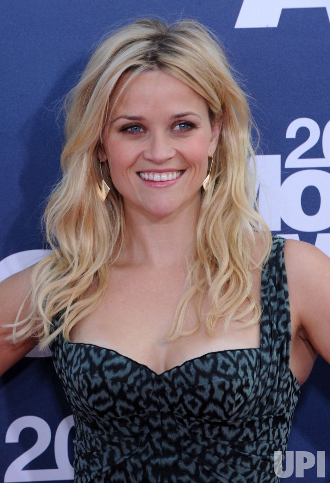 Reese Witherspoon arrives at the MTV Movie Awards in Los Angeles