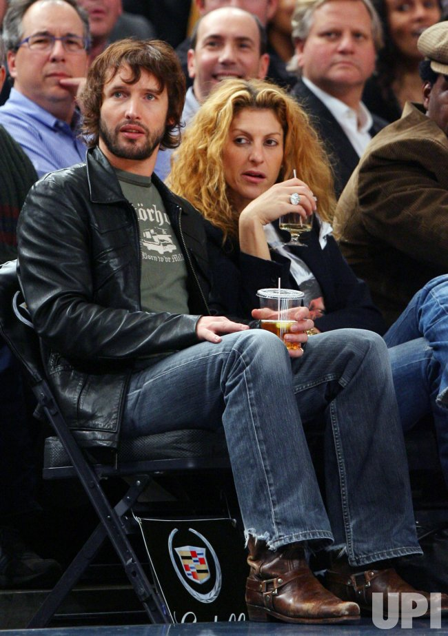 James Blunt at the Golden State Warriors- New York Knicks game