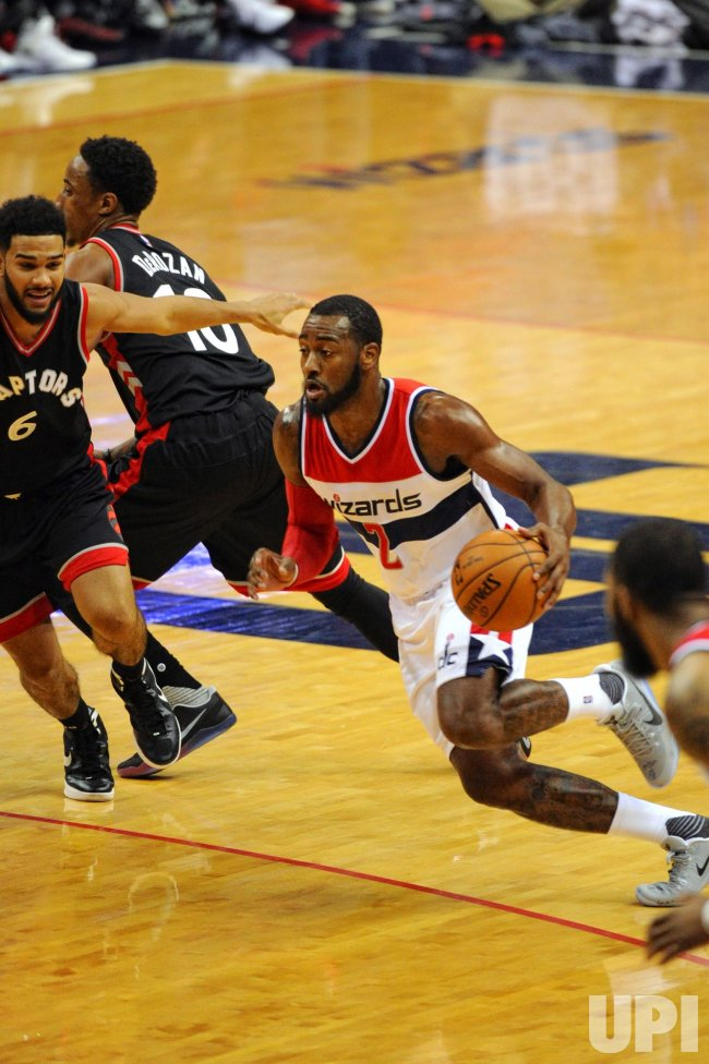 John Wall drives Against Cory Joseph
