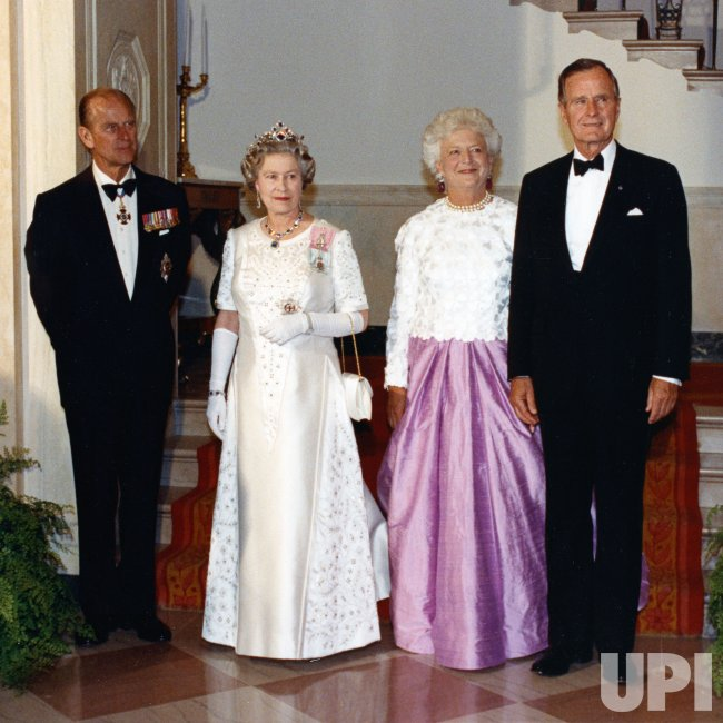 The Bushes host Queen Elizabeth and Prince Philip to a state dinner