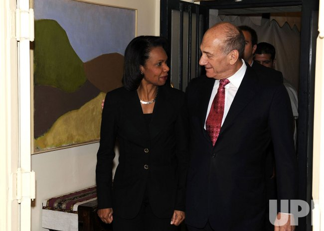 US Secretary of State Rice meets with Israeli officials in Jerusalem