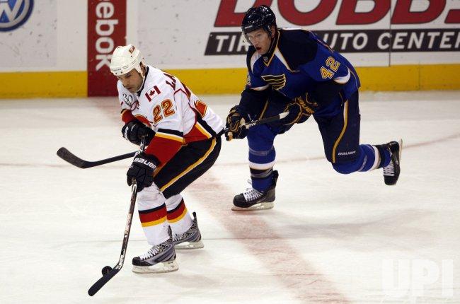 Calgary Flames Daymond Langkow and St. Louis Blues David Backes