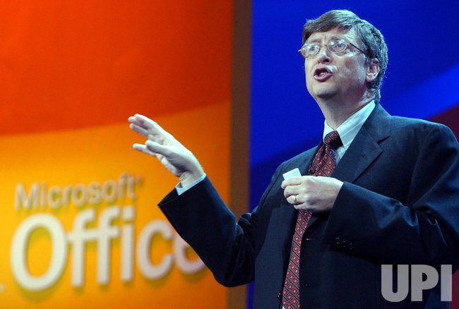 BILL GATES INTRODUCES MICROSOFT OFFICE SYSTEM 2003