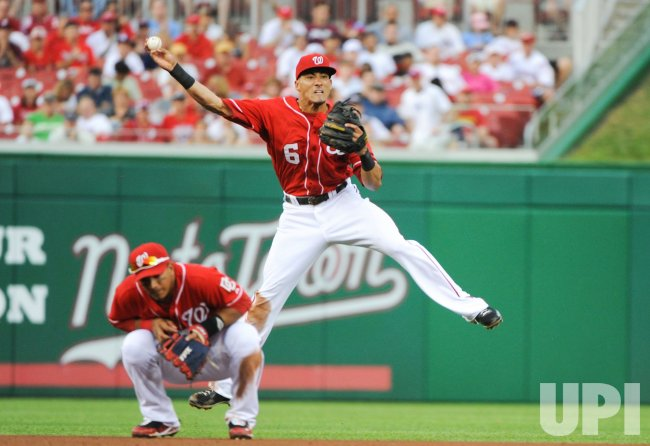 Nationals Desmond commits throwing error against Phillies in Washington