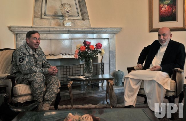 Afghan President Hamid Karzai meets with U.S. Gen. David Petraeus in Kabul