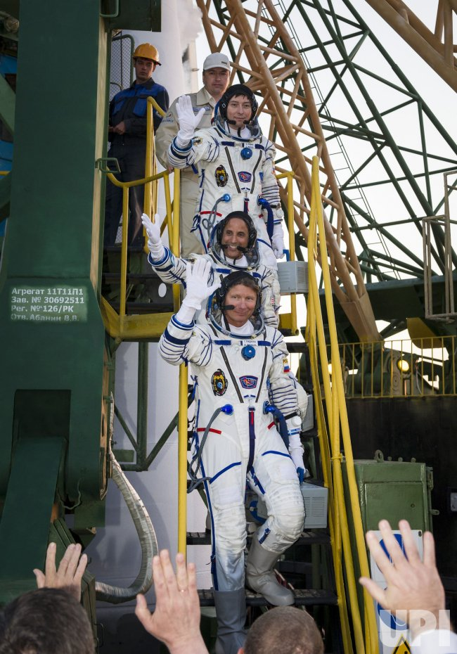 Expedition 31 leaves for the International Space Station from Kazakhstan