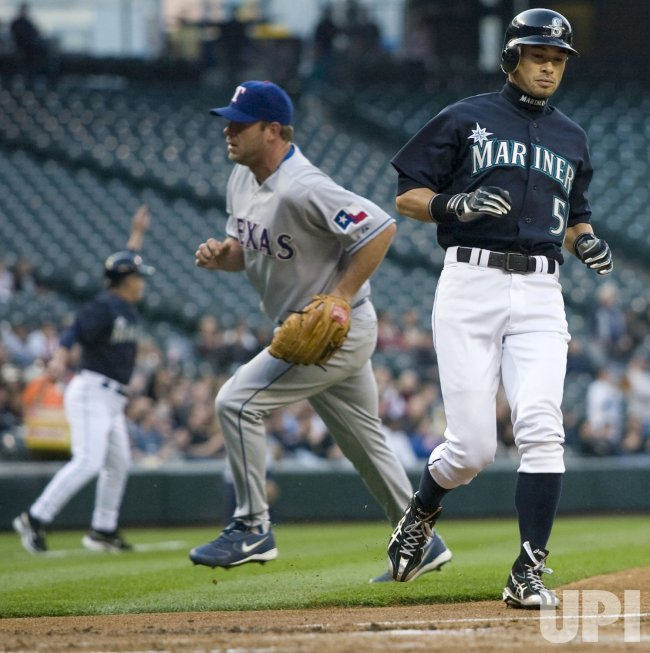 Texas Rangers vs Seattle Mariners in Seattle