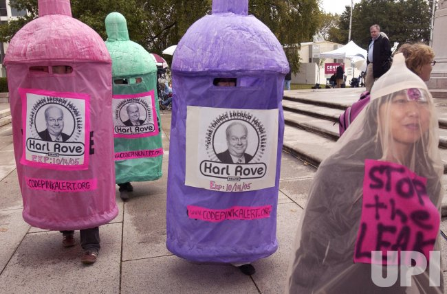 ROVE PROTESTERS DEMONSTRATE OUTSIDE OF HIS GRAND JURY APPEARANCE