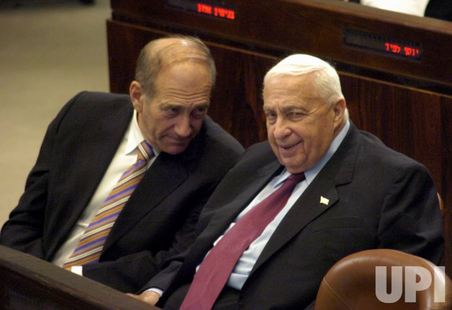 ISRAELI PRIME MINISTER ARIEL SHARON ATTENDS A KNESSET SESSION IN JERUSALEM