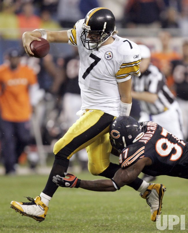 Bears Anderson Tackles Steelers Roethlisberger