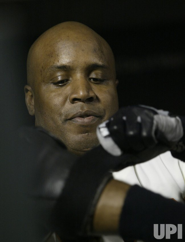 BARRY BONDS PLAYS HIS LAST GAME IN SAN FRANCISCO