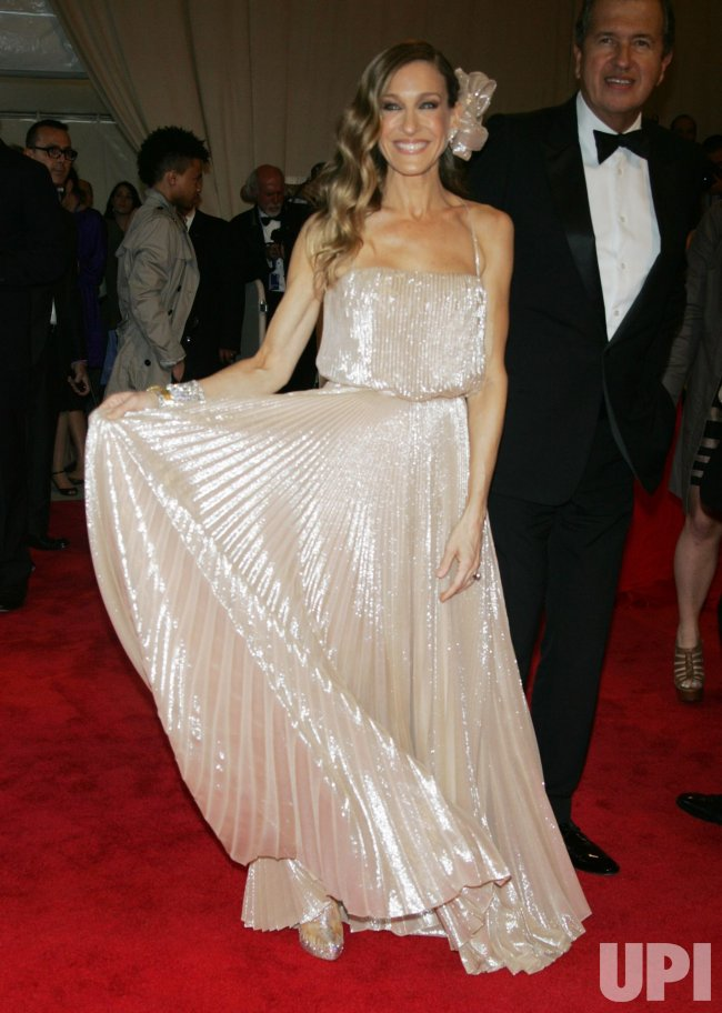 Sarah Jessica Parker arrives for the Metropolitan Museum of Art's Costume Institute Gala in New York