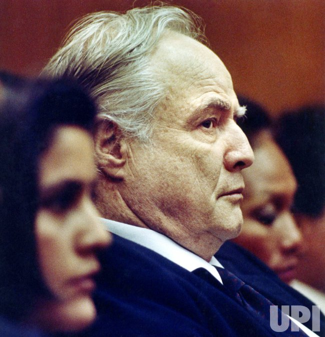 MARLON BRANDO SITTING IN COURT DURING SON'S ARRAIGNMENT