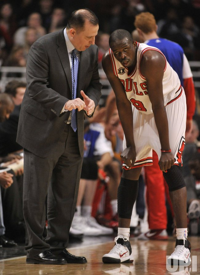 Bulls coach Thibodeau talks with Deng against Celtics in Chicago