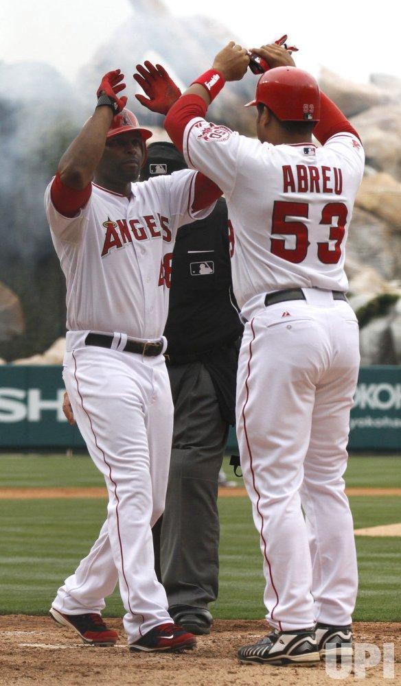 Los Angeles Angels vs Atlanta Braves in Anaheim, California, baseball