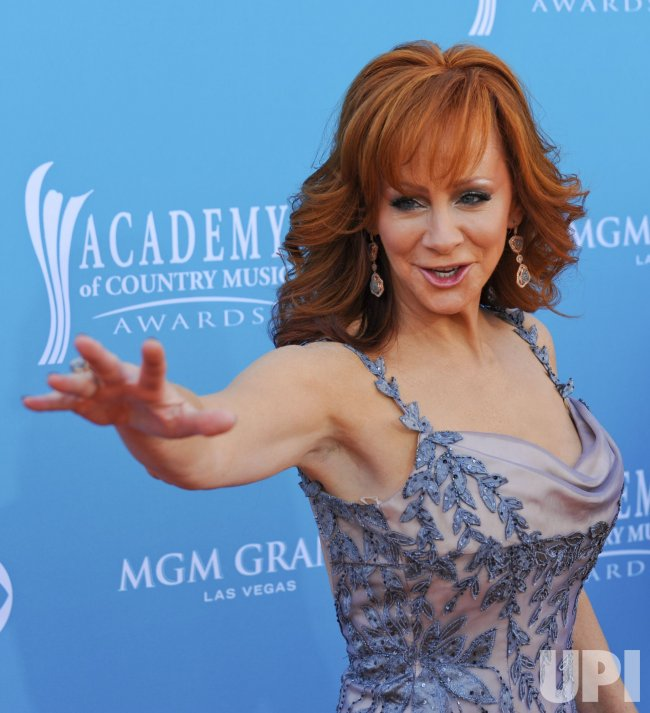 Reba McEntire arrives at the ACM Awards in Las Vegas